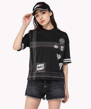 バッジTシャツ
