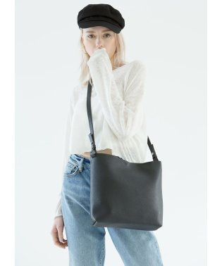 Basic Midi Shoulder Bag