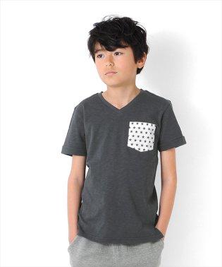 ポケットプリントVネック半袖Tシャツ