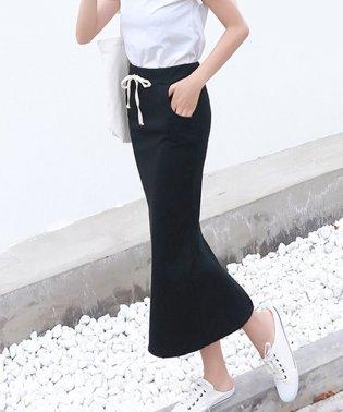 細リブで華奢見えタイトスリットスカート
