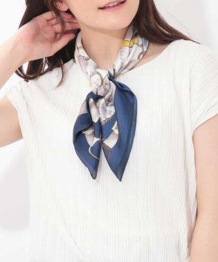 ベルトモチーフスカーフ