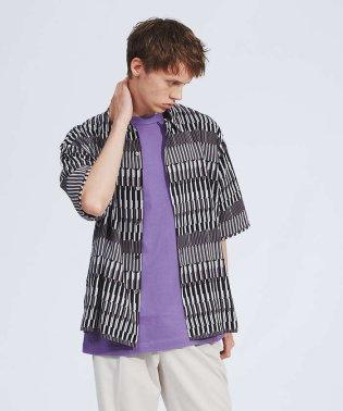 幾何学柄オープンカラー半袖シャツ