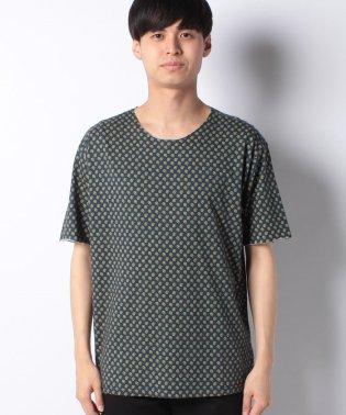 総柄プリント半袖Tシャツ・カットソー