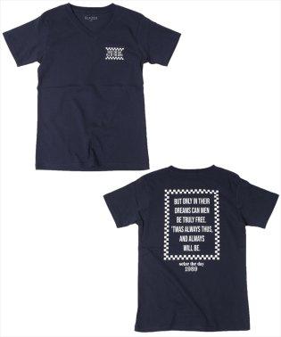 チェッカーロゴ・バックプリントVネック半袖Tシャツ