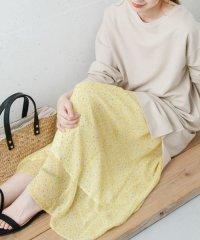 小花柄シフォンスカート