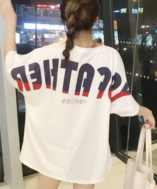 オーバーサイズバックプリントTシャツ