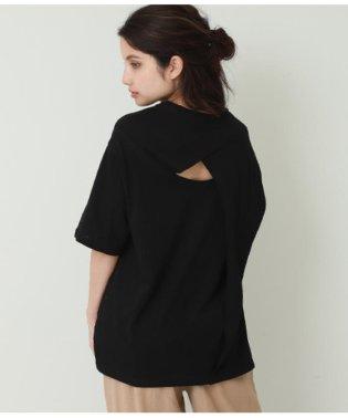 後ろオープンデザインTシャツ