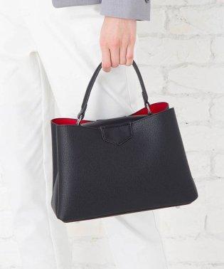 【2way】すっきり見えるフェミニンデザインハンドバッグ