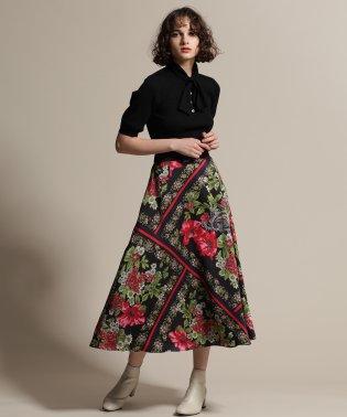 ボタニカルスカーフスカート