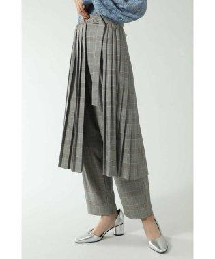 プリーツスカート&パンツレイヤード