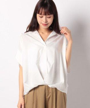 シルキーサテン半袖タックシャツ