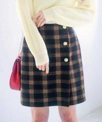 パンツインラップ風台形スカート