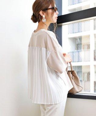 背中プリーツ切替オーバーサイズ半袖Tシャツ