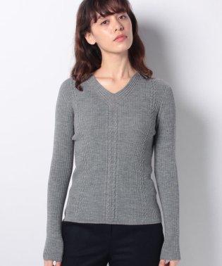 ホールガーメント Vあきセーター