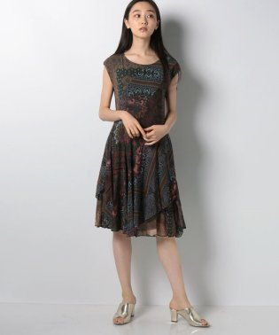 WOMAN KNIT DRESS SHORT SLEEVE