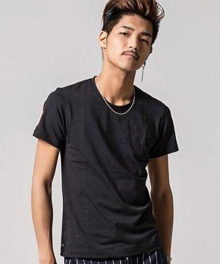 VIOLA【ヴィオラ】ワッペン貼付けクルーネック半袖Tシャツ