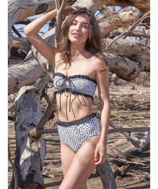 Amanda  Leopard Black