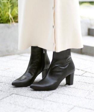 GRISE 7cmレザーチャンキーヒールショートブーツ◆