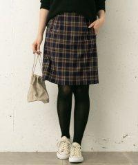 タック台形スカート