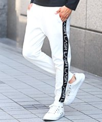 ポンチプリントサイドラインジョガーパンツ/ジョガーパンツ メンズ サイド ライン ロゴ