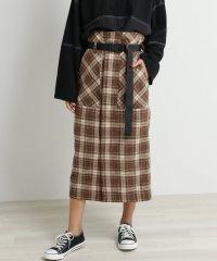 ベルト付チェックナロースカート