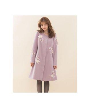 エアリークリーミー刺繍コート