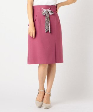 スカーフベルトタイトスカート