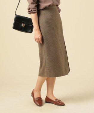 歩きやすいチェックタイトスカート