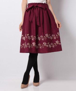 ばら刺繍フレアスカート