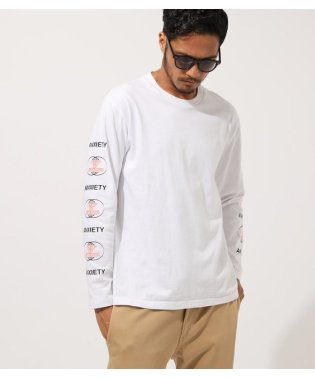 DIFFRENT GRAPHIC LONG TEE