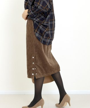 サイドボタン6Wコーデュロイタイトスカート
