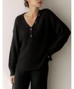 心地よい着用感が嬉しい大人の秋ニット リブ編みVネックボタン付プルオーバー トップス/ニット/セーター