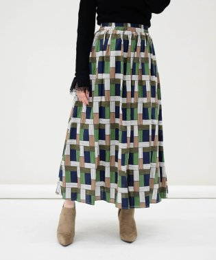 幾何学柄ギャザースカート
