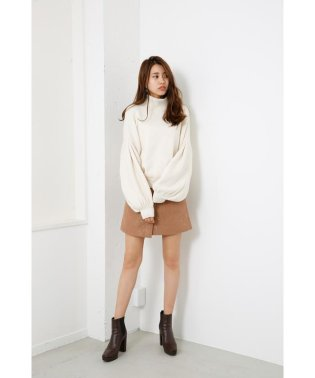 M/N Tuck Shoulder Knit TOP