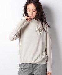 ビーズ刺繍スタンドネックセーター