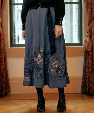 『Plum贅沢刺繍スカート』
