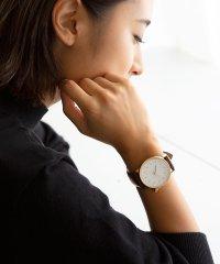 ゴールド文字盤腕時計