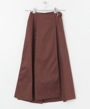 ウシロボタンスカート