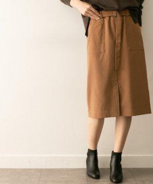 サテンムースタイトスカート