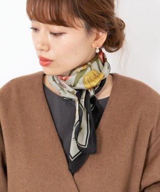 大判花柄スカーフ