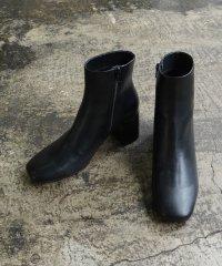 ヒールカップミディー丈ブーツ