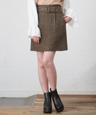 太ベルト付ツィードスカート