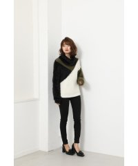 Bicolor turtle Knit TOP