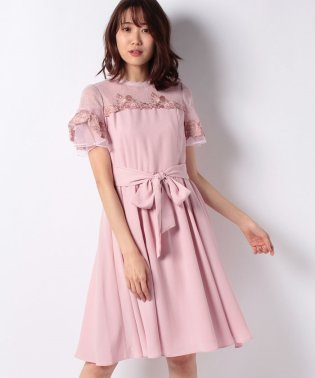ハイネック刺繍ドレス
