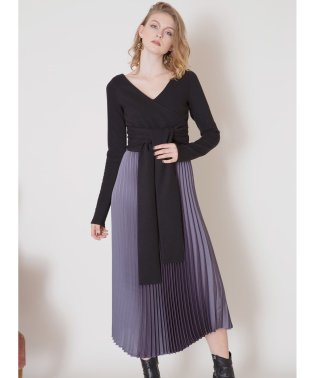 Twist Sensu Pleat Dress