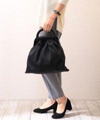 【2way】プリーツ調ストライプ巾着ハンドバッグ/ショルダーバッグ