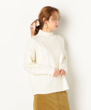 A-ケーブル編みプルオーバー