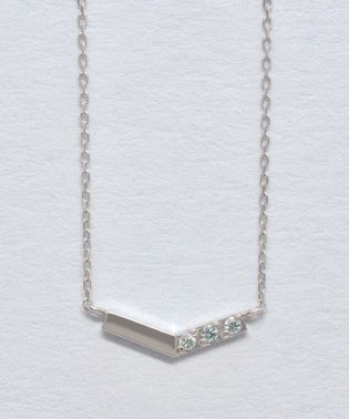 K10 アイスブルーダイヤモンドV字3石ネックレス