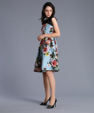《M Maglie le cassetto》切り替えフラワープリントドレス