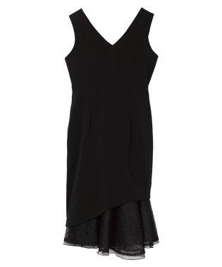 Vネックレースヘムドレス